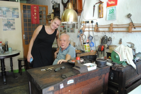 Chinatown's Last Traditional Baba Jeweler