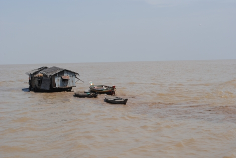 Moving day on Tonle Sap Lake