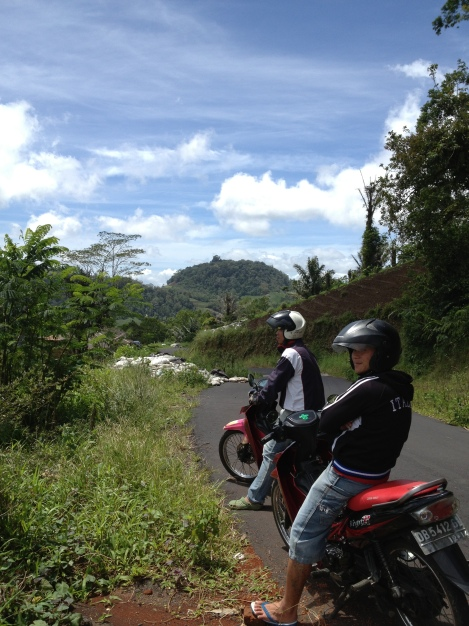 Ojek ride to Gunung Mahuwa